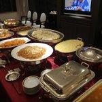スイートルームでの夕食(宴会料理)