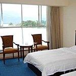 Hawaii Holiday Inn Photo