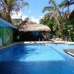 la piscine et notre cabana