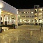 Chandra Lok Hotel
