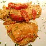 cuori di bufala con pomodori e crema di rucola
