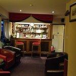 Bar/sitting room