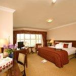 Yangguang Shatan Holiday Hotel