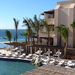 Cabo Las Flores Hotel