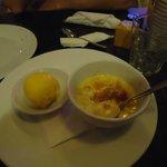 Крем брюле с мороженым из маракуйи