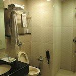 Very clean bathroom...