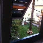 La vista sul giardino dalla camera