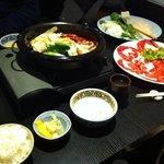 voilà à quoi ressemble un sukiyaki entre amis !