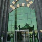 impressive entrance to hotel