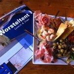eten in restaurant de Worsteltent op Texel, bij hotel 14 Sterren