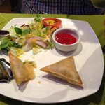 vegetable samosas (which was only potato) with ketchup....!