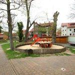 Spielplatz im angrenzenden Puschkinpark/auf dem Gelände