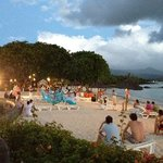 danze al tramonto sulla spiaggia