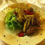 Maiale fritto con patate fresche