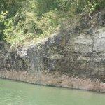 uitgeslagen rotsen langs de Chavon rivier
