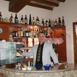 Il Bar con il proprietario