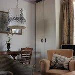 appartamento con vista interna: soggiorno