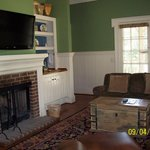 Cottage Suite  King - living room area