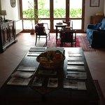 Il salotto di lettura, vicino alla sala della colazione