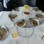 Regional oysters tasting plate