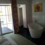 Die Badewanne im Zimmer