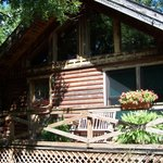 CABINS AND SUITES FOR 2 TO 12