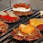 algunas de nuestras hamburguesas... 200 gramos de carne ecológica