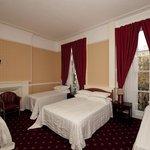 Photo de The Balmoral House Hotel