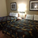 Double bedded room with queen beds