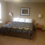 Single king bedded room