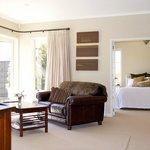 Casa del Mare Bed & Breakfast guest lounge looking into the Paris Suite