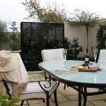 Casa del Mare Bed & Breakfast guest courtyard