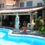 Cooling pool and statuary