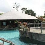 Área del bar en la piscina