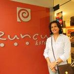 Sandra Sousa no Runcu Hotel em Lima.