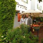 Jardim de acesso ao Runcu Hotel em Miraflores, Lima.