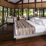 NIkawewa Suite- Master Room