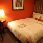 横幅広いベッド
