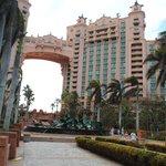 Atlantis Bahamas - Royal towers upclose