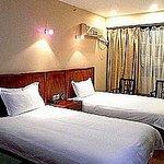 Jinqiao Jialin Hotel