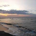 Lever de soleil sur sable noir - 3 mars 2013.