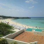 ホテルの目の前がビーチです