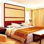 Laqian Mountain Century Villa Hotel