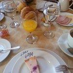 Petite boutique breakfast