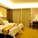 Yuyang Business Hotel