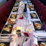 Tafel voor diner met groep