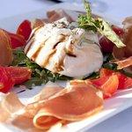burrata 6 oz with prosciutto di parma and cherry tomatoes