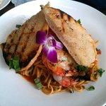 Linguine pomodoro with shrimp