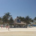 Foto de El Paraiso Beach Club & Restaurant
