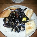 Steam mussels for appetizer